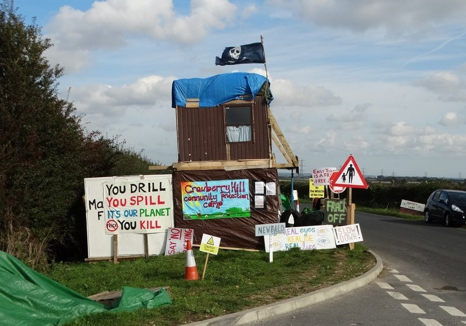Anti-fracking camp near Nottinghamshire, U.K. (Photo source: David Lally/Creative Commons)