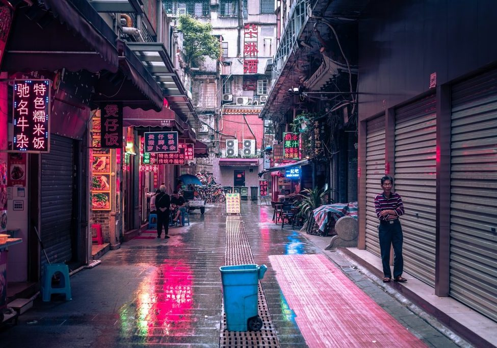 An alley in Guangzhou, China. Africans in Guangzhou have been targeted by racist policies and attacks, and are blamed for spreading COVID-19. (Photo source: Philippsaal/Pixabay)